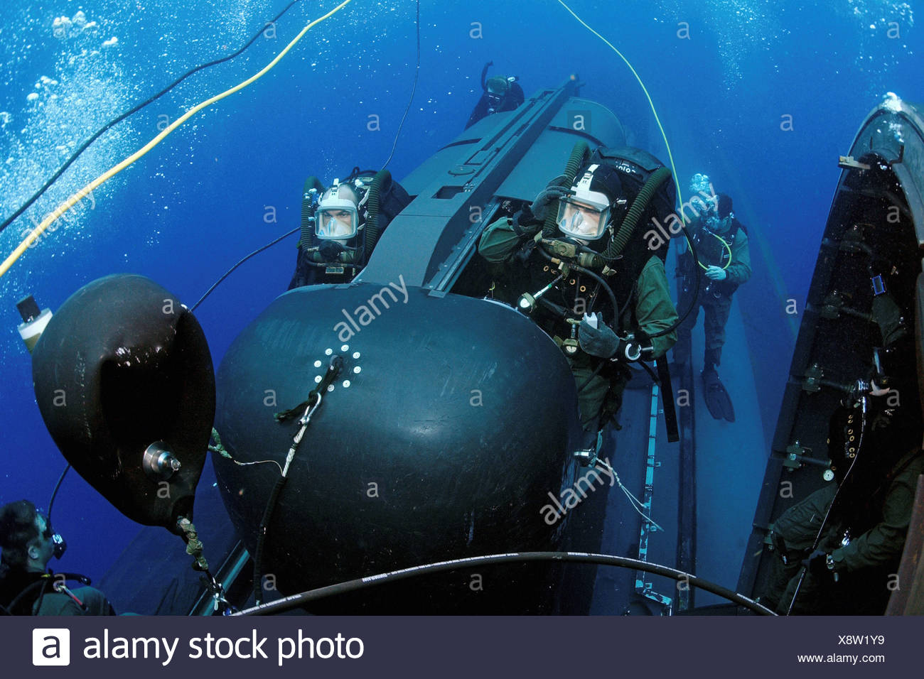 Members SEAL Delivery Vehicle Team Two Prepare to Launch