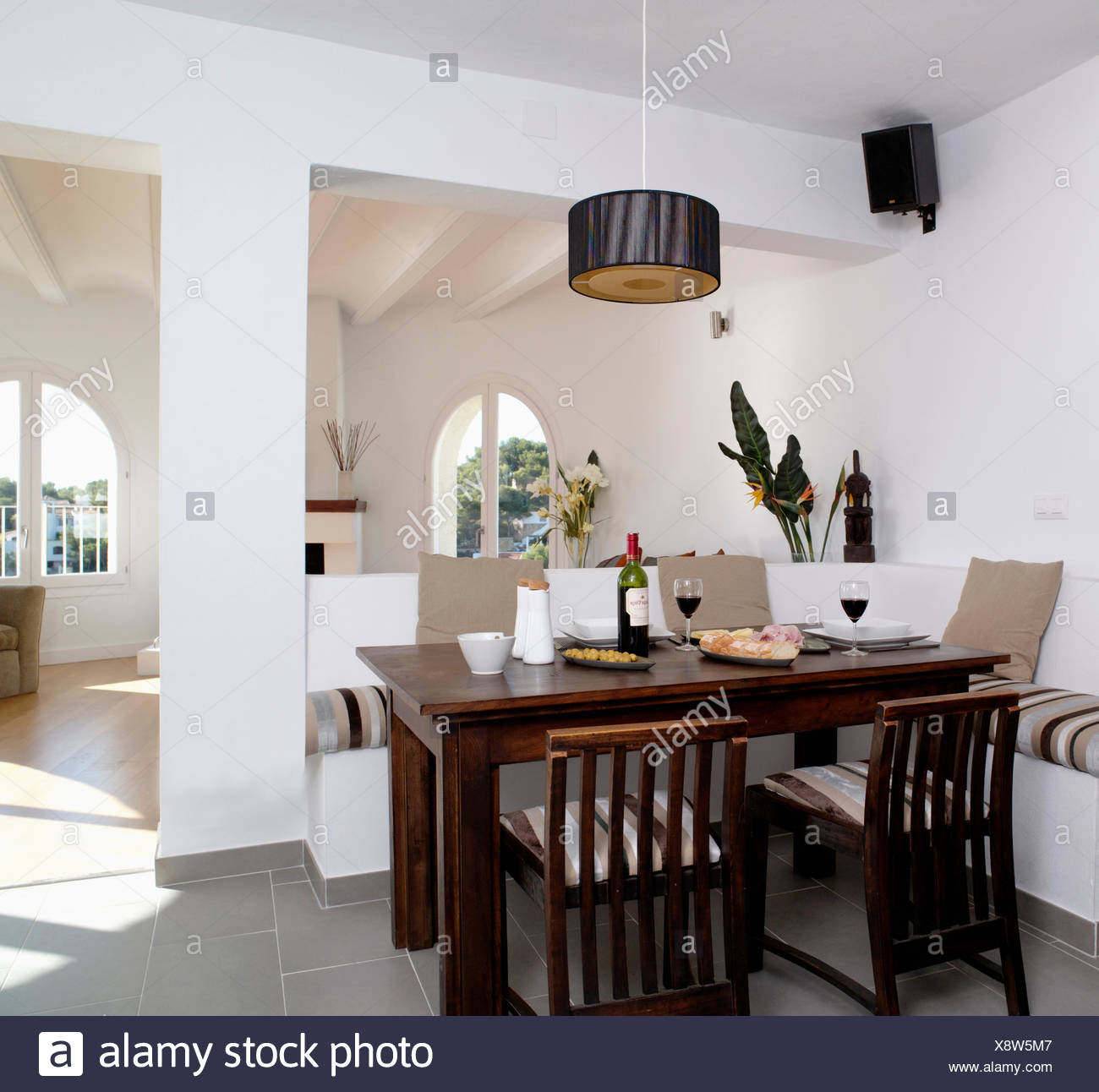 Brilliant Dark Wood Table And Chairs In Modern Open Plan Coastal Caraccident5 Cool Chair Designs And Ideas Caraccident5Info