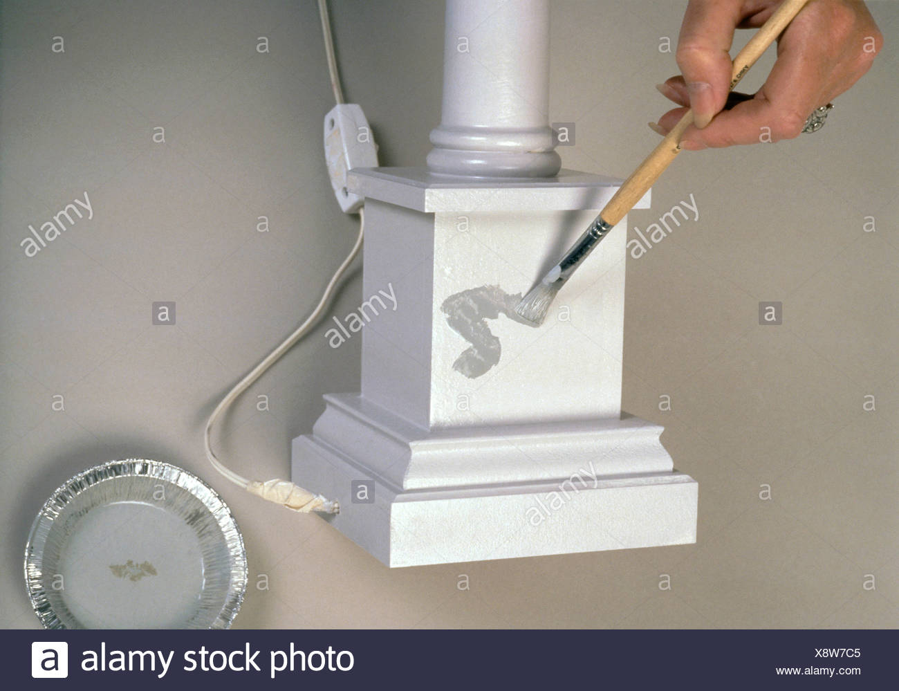 FORMock marble Reproducing a marble effect need not be as tricky as it appears Step by step grey marble paint effect Thin down - Stock Image