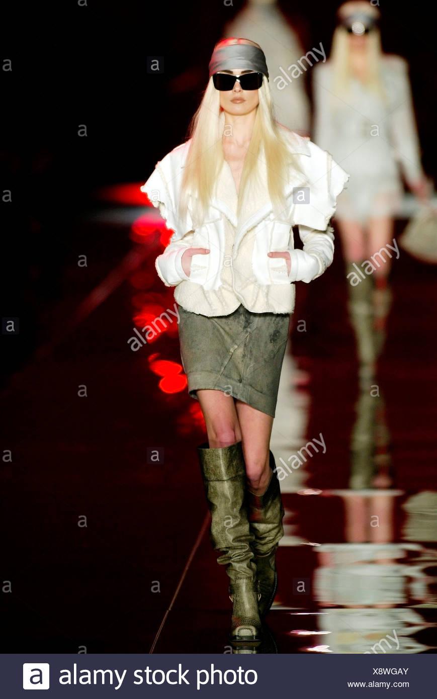 733e2f65c7 Christian Dior Ready to Wear Paris A W Model Inguna Butane very long  straight blonde hair in