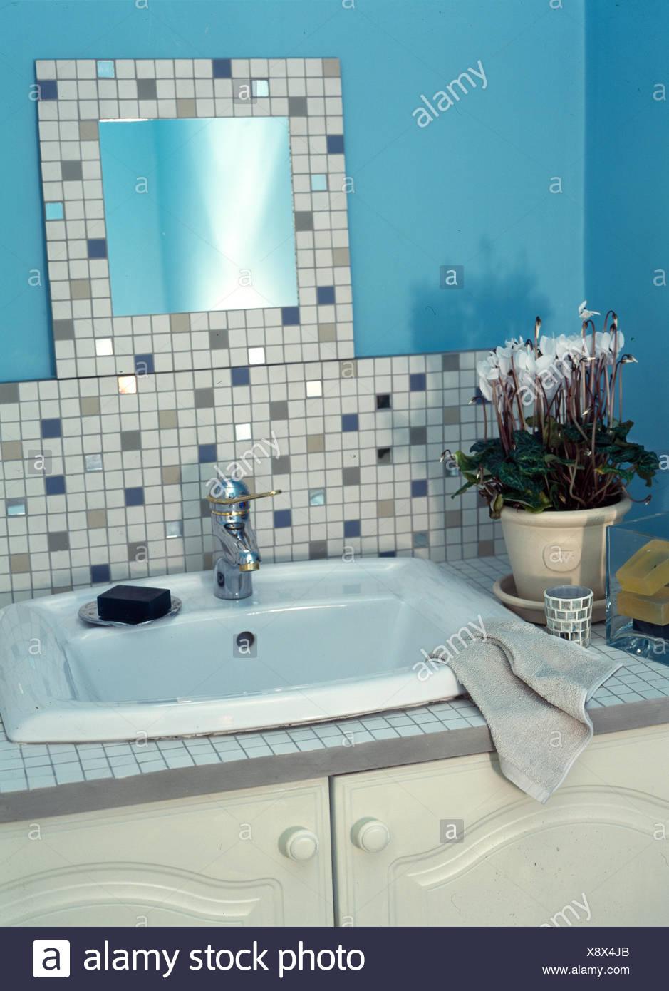 Tiling Bathroom Stock Photos & Tiling Bathroom Stock Images - Alamy