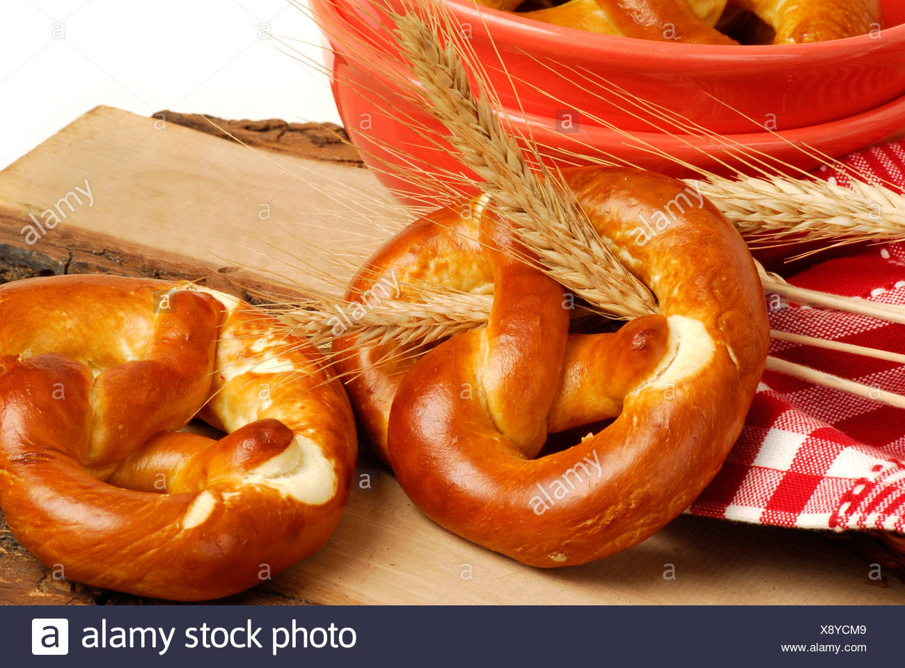 Pretzels and grain ears - Stock Image