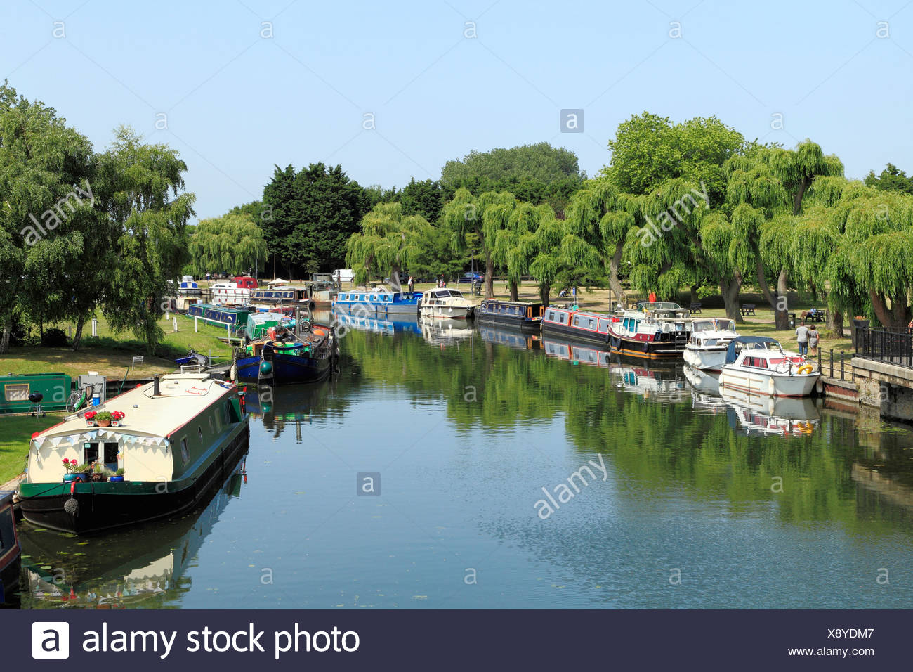 Ely, River Ouse, barges and boats,  English rivers riverside pubs inns pub, Cambridgeshire England UK - Stock Image