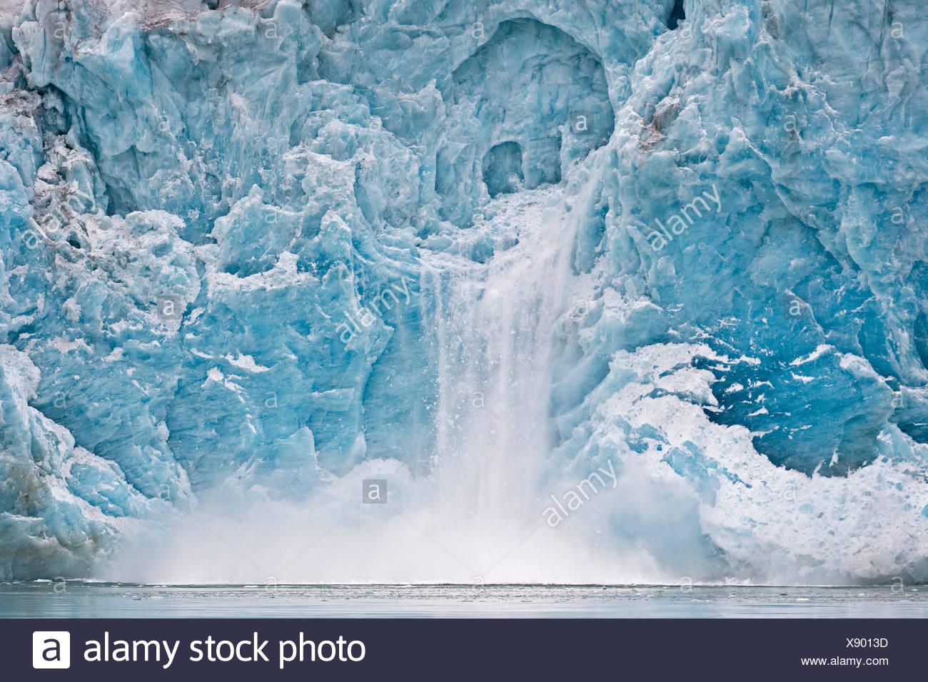 Calving glacier, rim of the Monacobreen Glacier, Liefdefjorden, Spitsbergen, Svalbard Islands, Svalbard and Jan Mayen, Norway Stock Photo