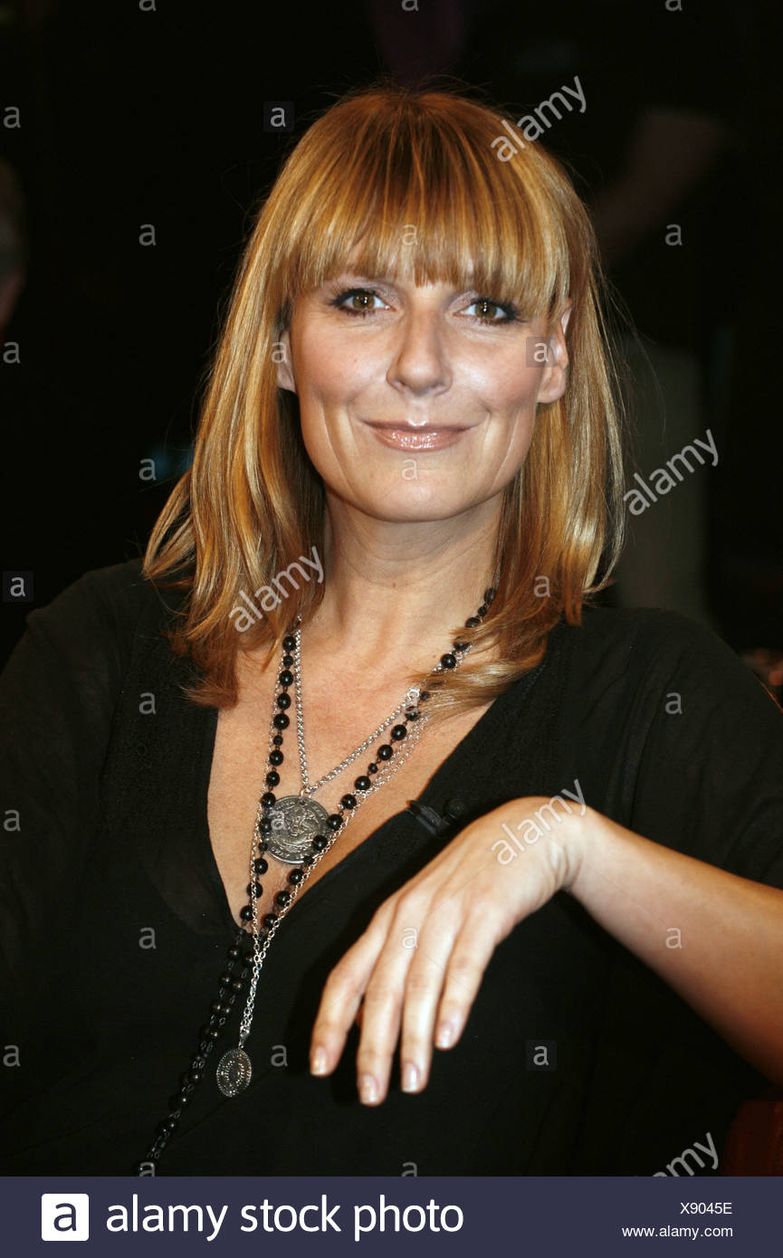 Fisher, Kim, * 17.4.1969, German presenter and singer, portrait, guest in tv show 'NDR Talk Show', Hamburg, 6.12.2008, Additional-Rights-Clearances-NA - Stock Image
