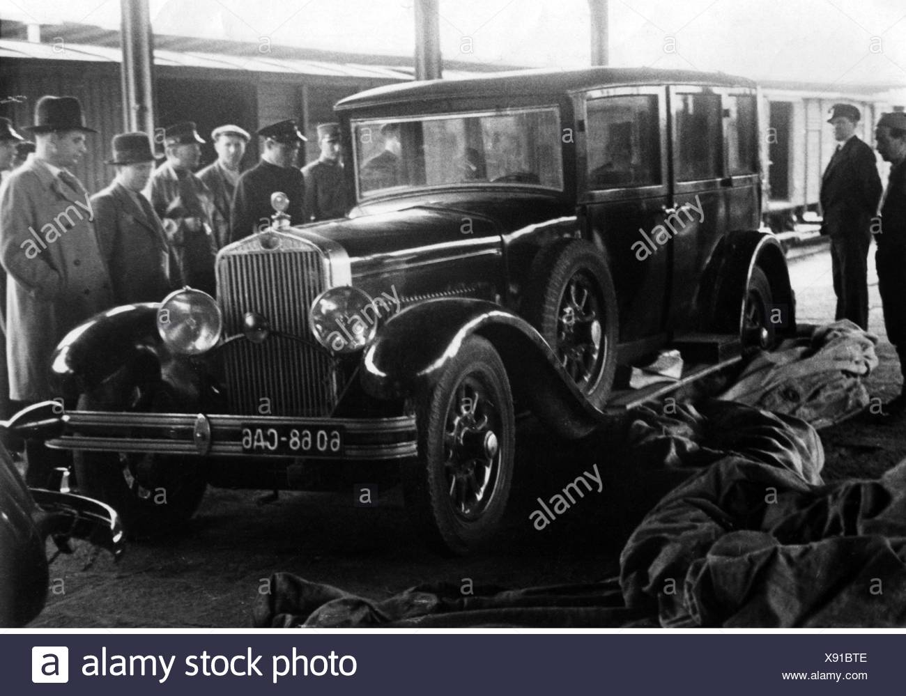 Alexander I, 17.12.1888 - 9.10.1934, King of Yugoslavia 16.8.1921 - 9.10.1934, car in which the king was murdered, railway station, Belgrade, 1930s, Additional-Rights-Clearances-NA - Stock Image