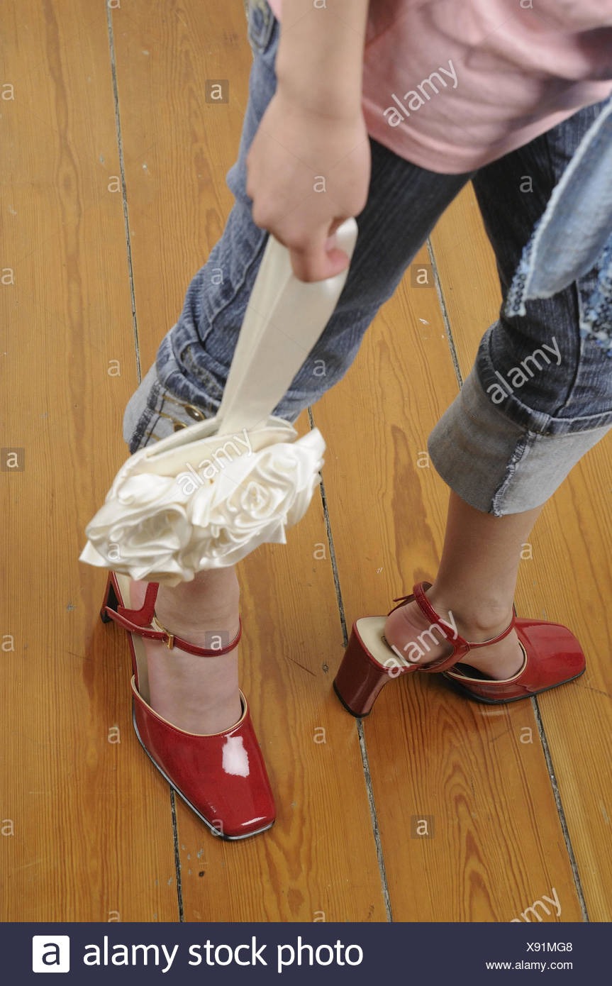 Girls, shoes, too largely, detail
