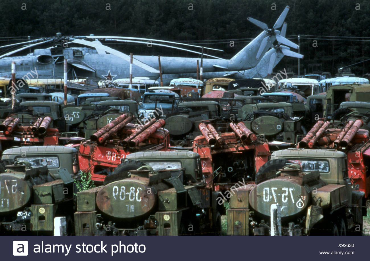 Abandoned army vehicles Chernobyl Ukraine 28 4 2000 following nuclear disaster in 1986 - Stock Image