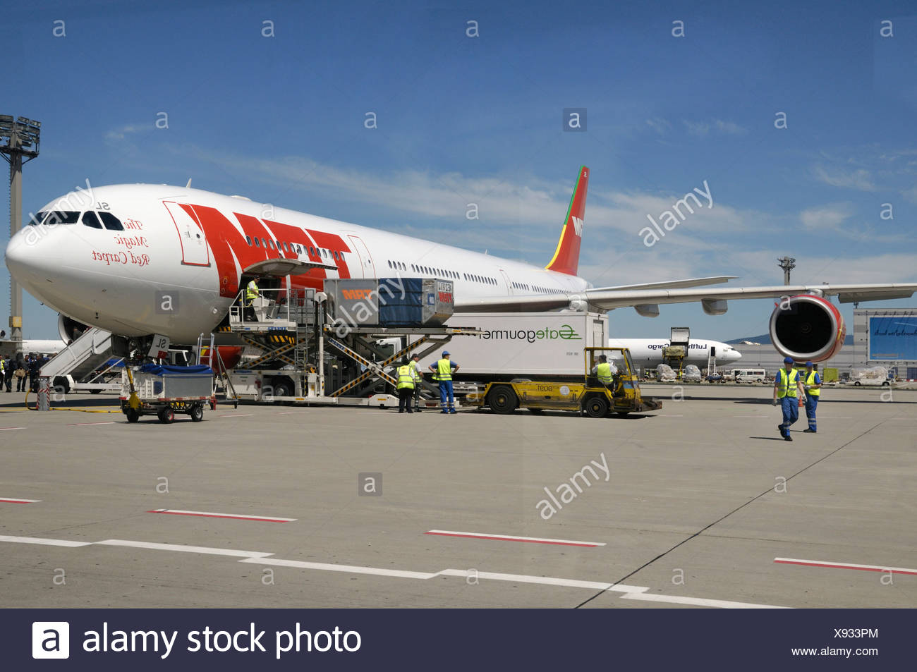 Loading of a TAM plane, Frankfurt Airport, Hesse, Germany, Europe - Stock Image