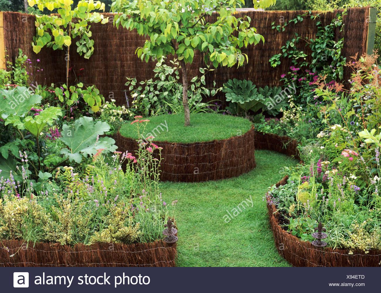 Medieval Style Garden, Sandringham Flower Show, New Shoots Garden Design,  Herbal, Medicinal Plants Planting Small Gardens Plant