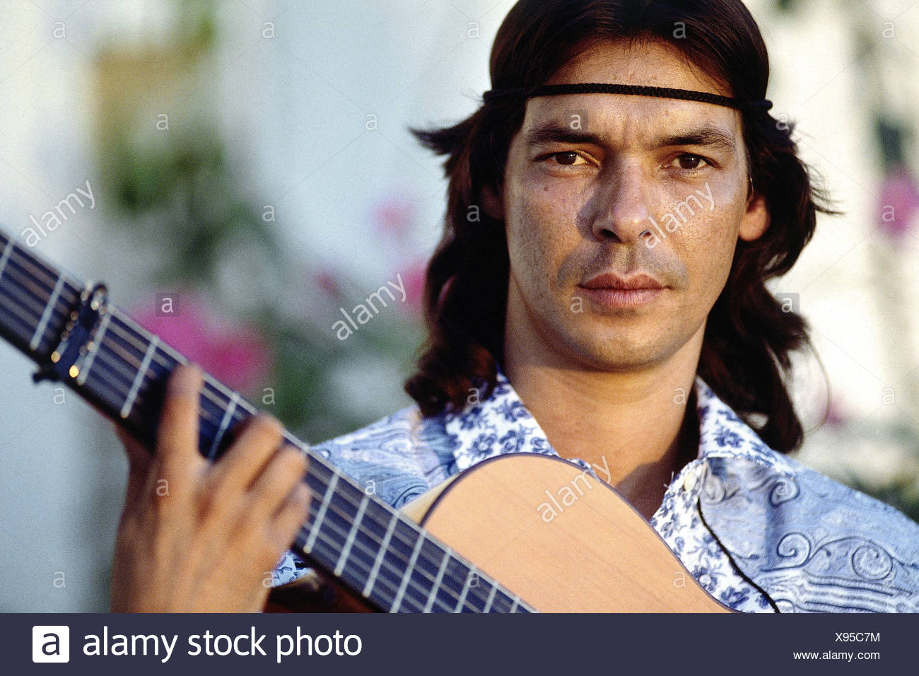 Gipsy Kings, French music group, Canut Reyes, a member of the band, with guitar, portrait, Arles, 1988, Additional-Rights-Clearances-NA - Stock Image