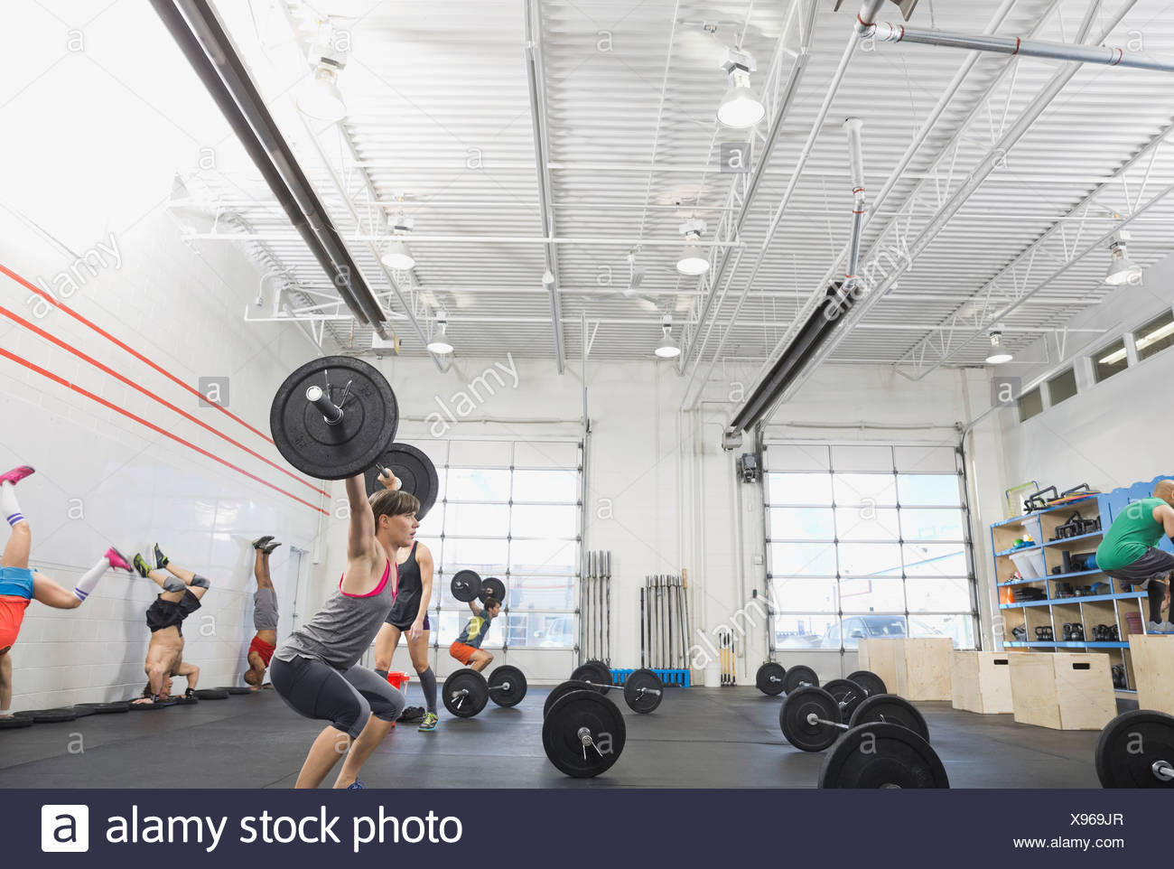 Group of people in Crossfit class - Stock Image