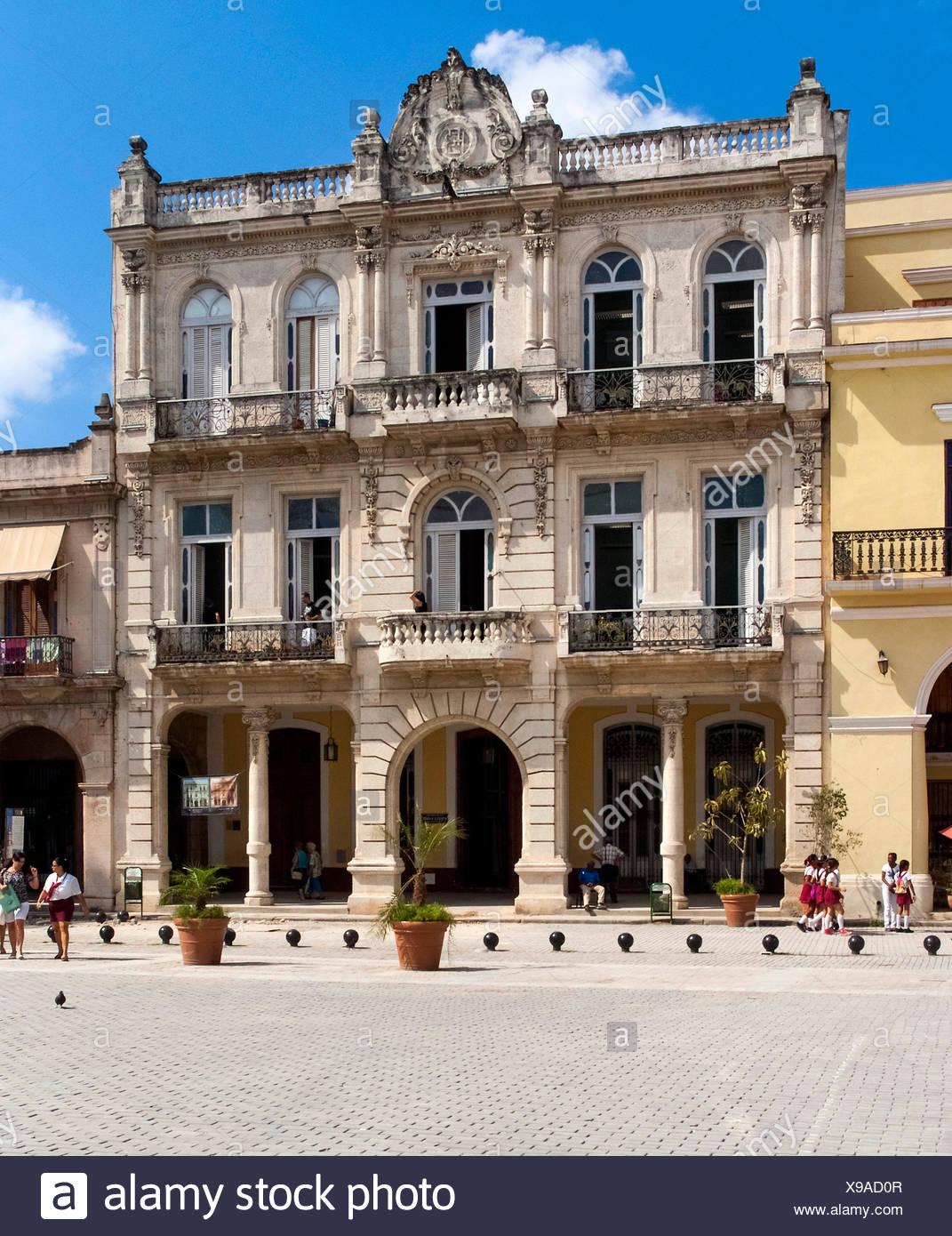 Havanna, Cuba :  La Habana Vieja :  Plaza Vieja Stock Photo