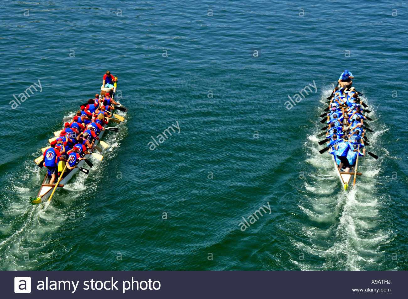Team Sport Boat China Competition Race Water Healthy Dragonboat Dragon Boat Harbor Harbour River Lake Fast Traditional Tradition - Stock Image