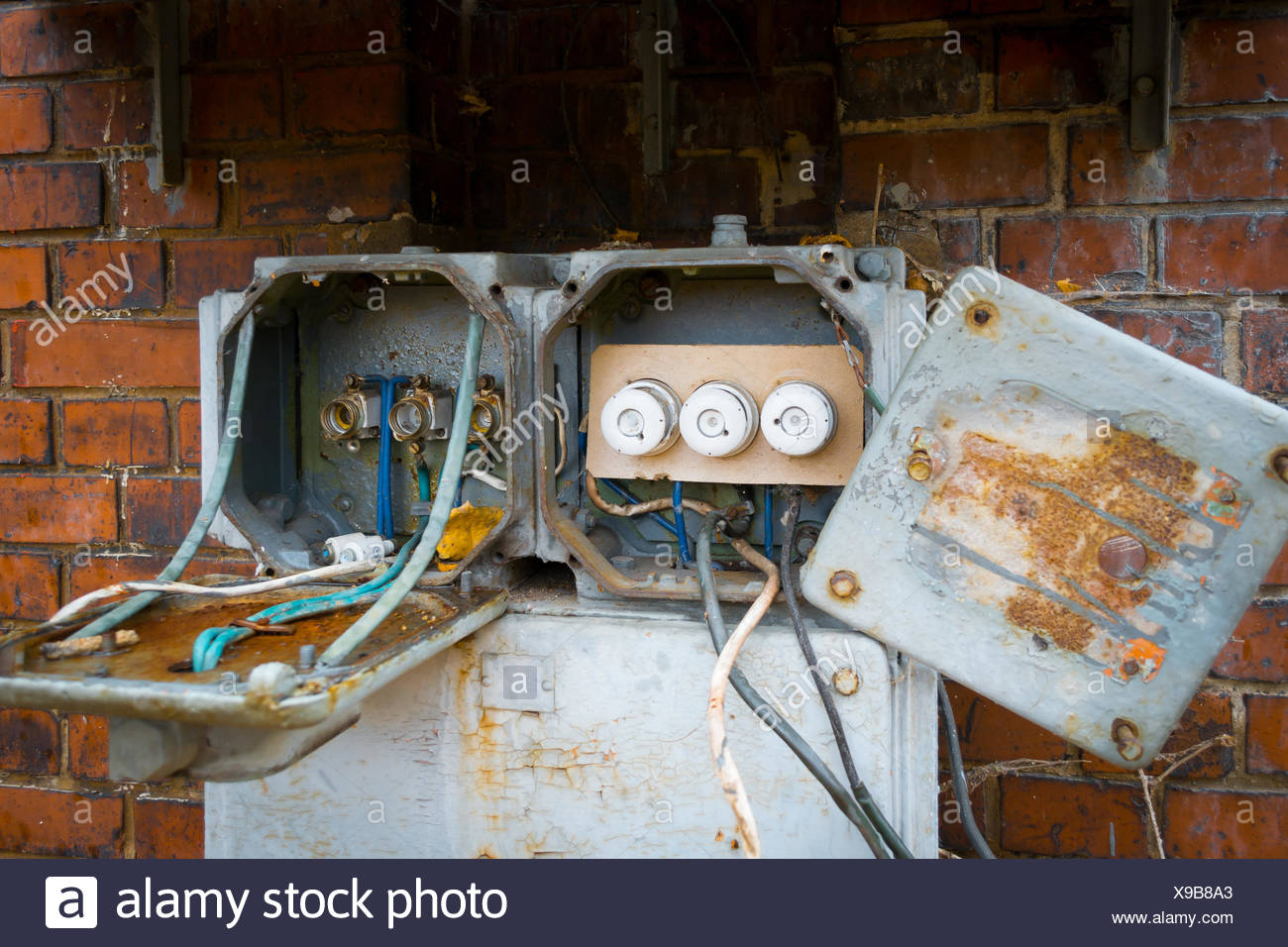 Electric Fuse Box Rust - talk about wiring diagram on