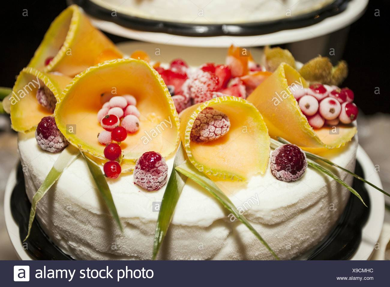 Close-Up Of Wedding Cake On Table Stock Photo: 281177384 - Alamy