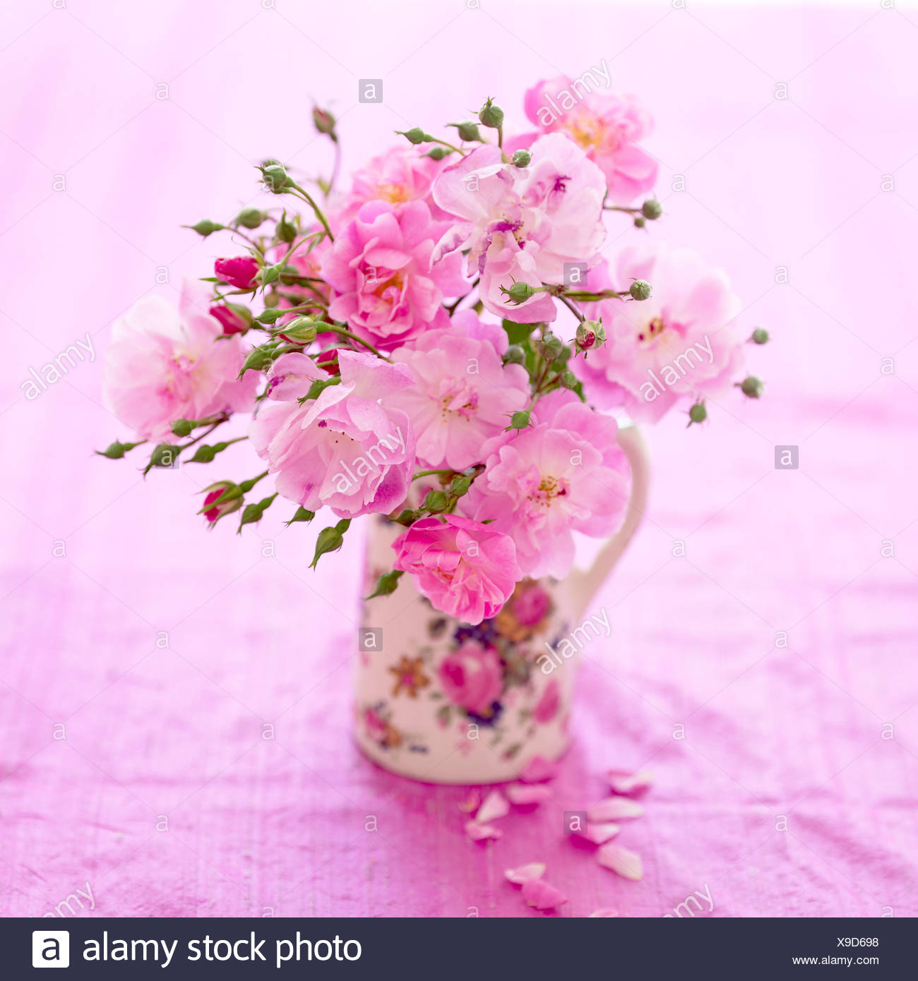 A Bunch Of Pink Roses In A Jug Stock Photo 281188132 Alamy
