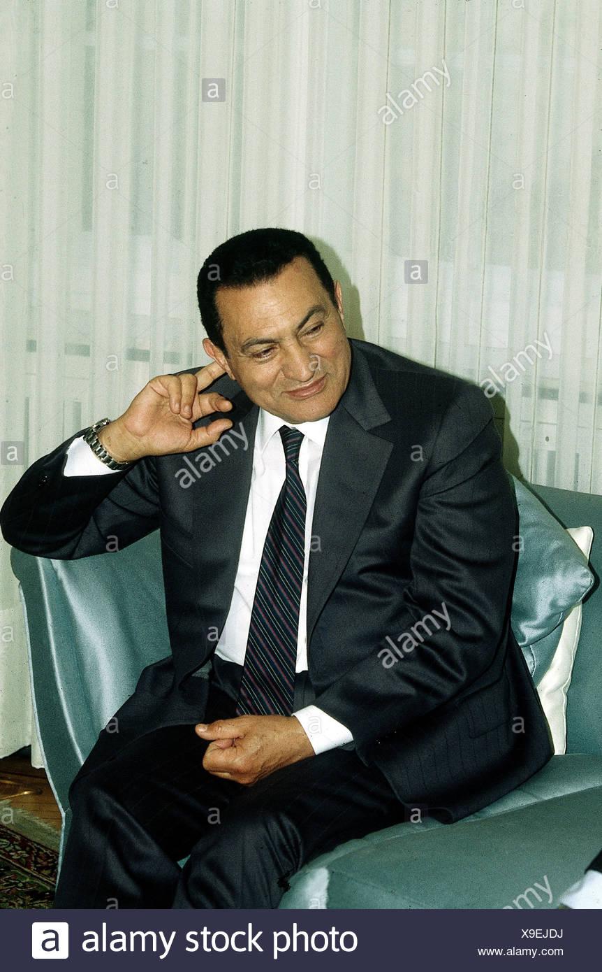 Mubarak, Muhammad Hosni, * 4.5.1928, Egyptian politician, President of Egypt since 1981, half length, 1990, Additional-Rights-Clearances-NA - Stock Image