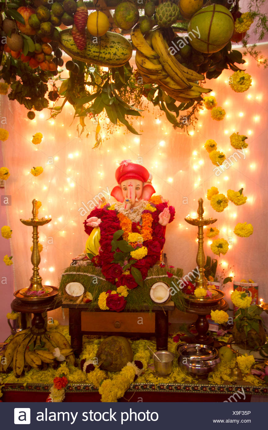 Goan Matoli, decorative canopy in which fresh fruits and flowers are revered along with the idol of Ganesha - Stock Image