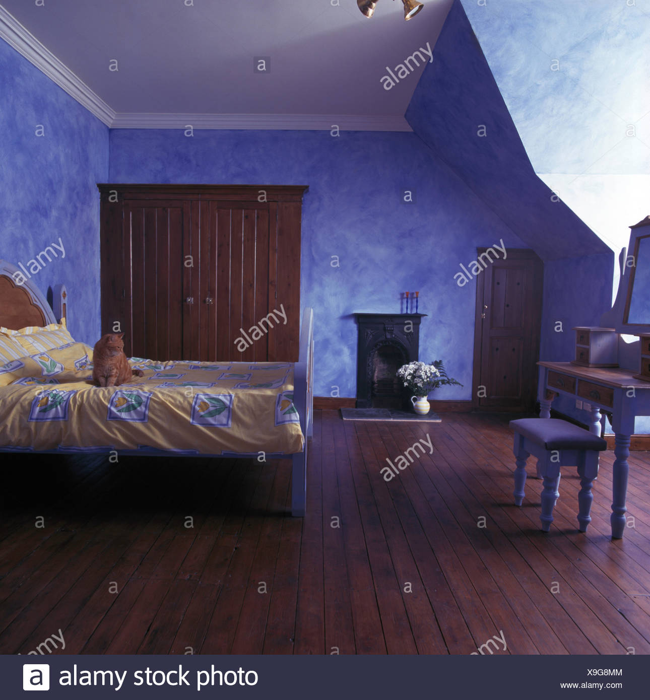 Blue Purple Bedroom High Resolution Stock Photography And Images Alamy