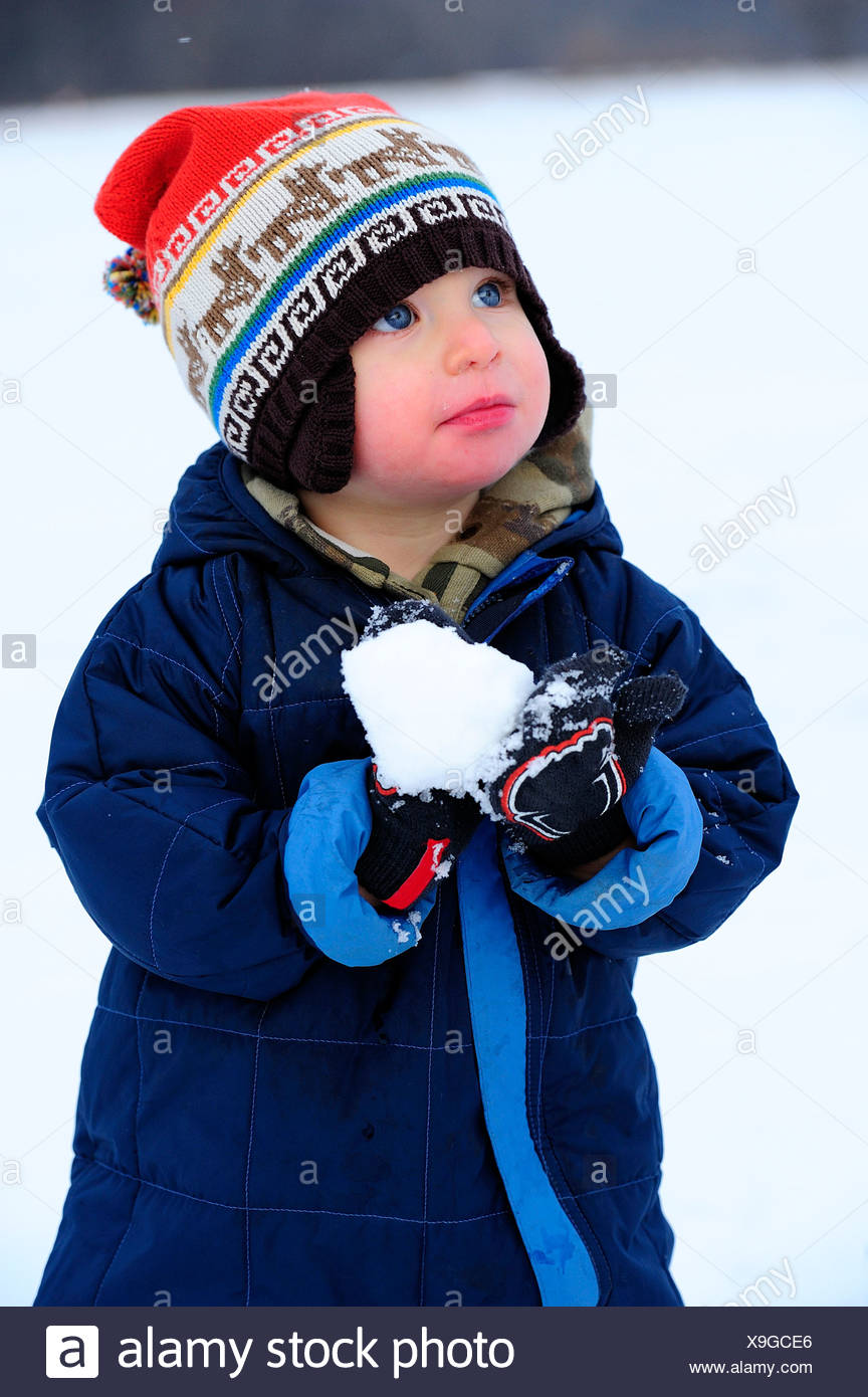 43022bbe4 Baby Snowsuit Stock Photos   Baby Snowsuit Stock Images - Alamy