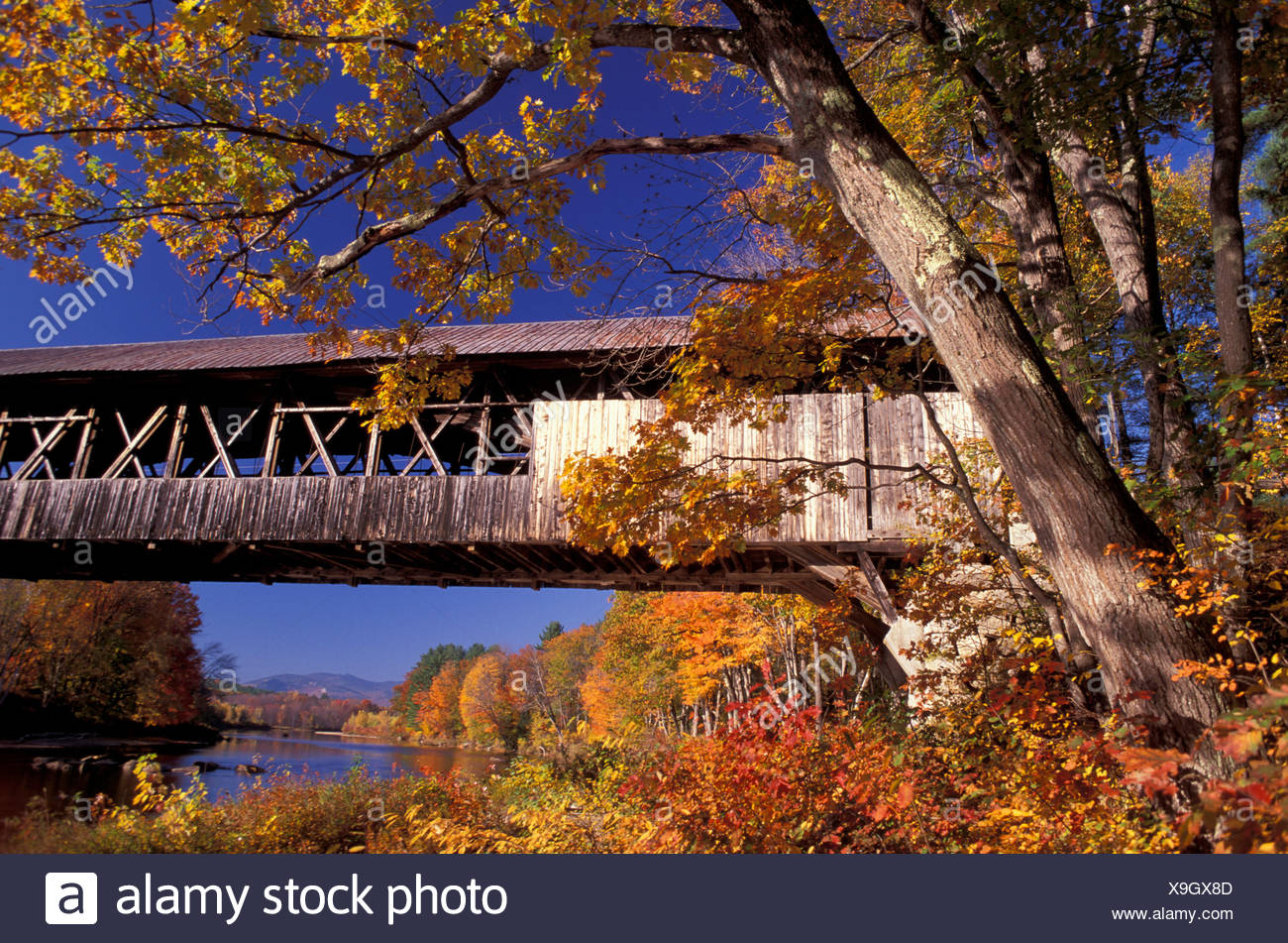 Covered Bridge Nr. 41 New Hampshire Indian Summer USA America United States North America near Woodstock - Stock Image