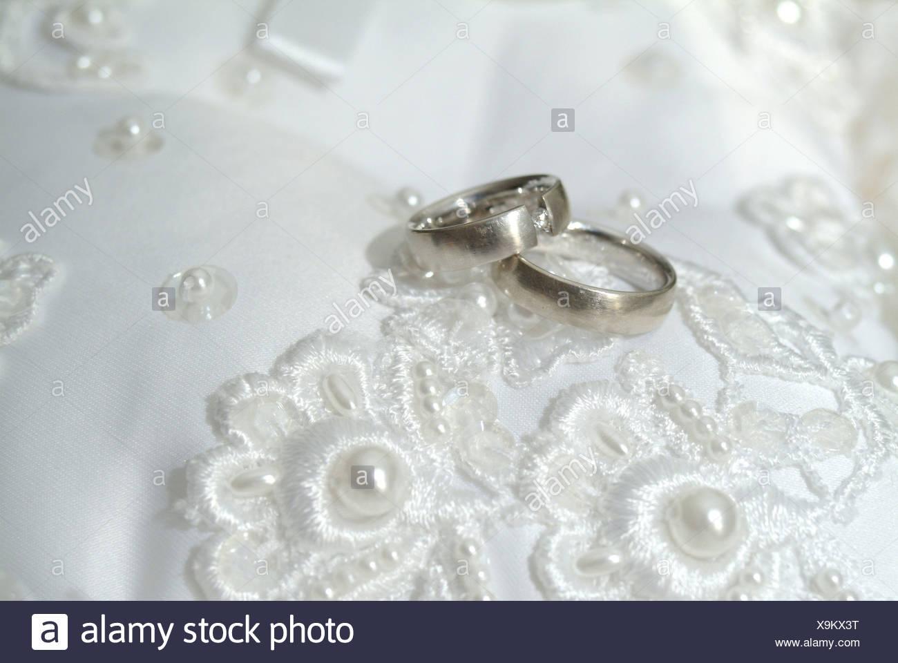 Hochzeitsringe Stock Photo 281335372 Alamy