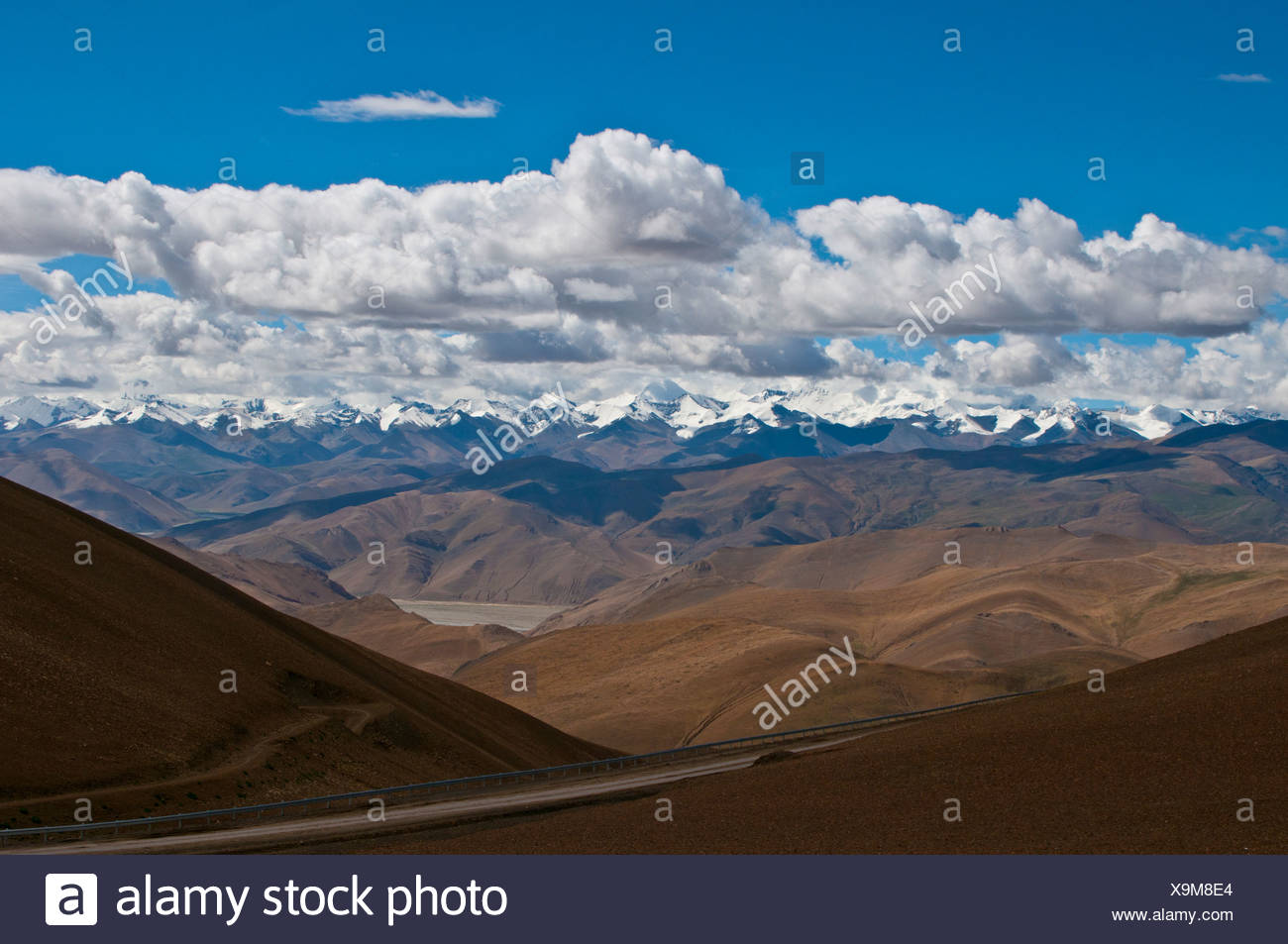 View of Mount Everest and the Himalayas, Tibet, Asia - Stock Image