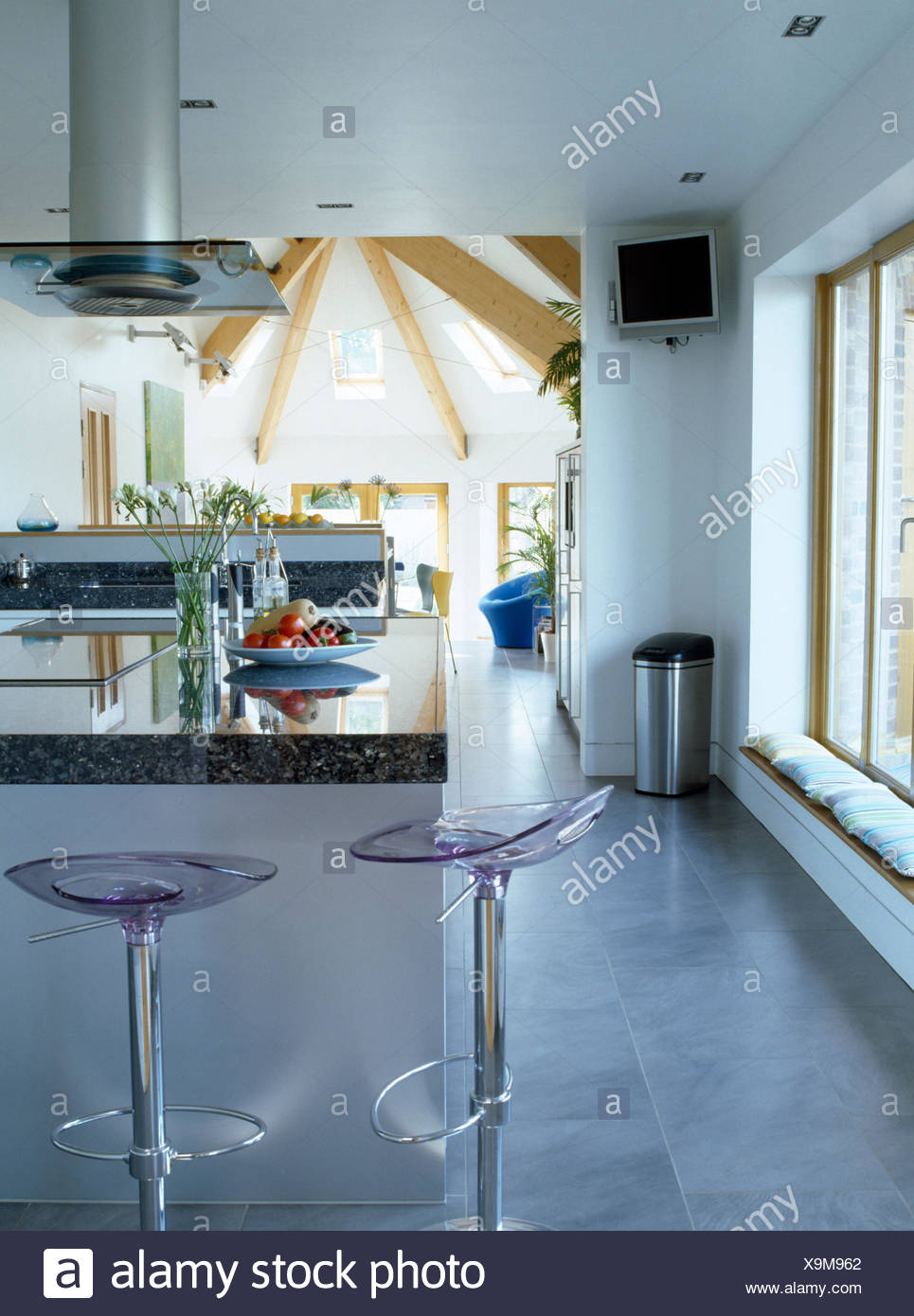 Modern Bar Stools Stock Photos & Modern Bar Stools Stock Images - Alamy