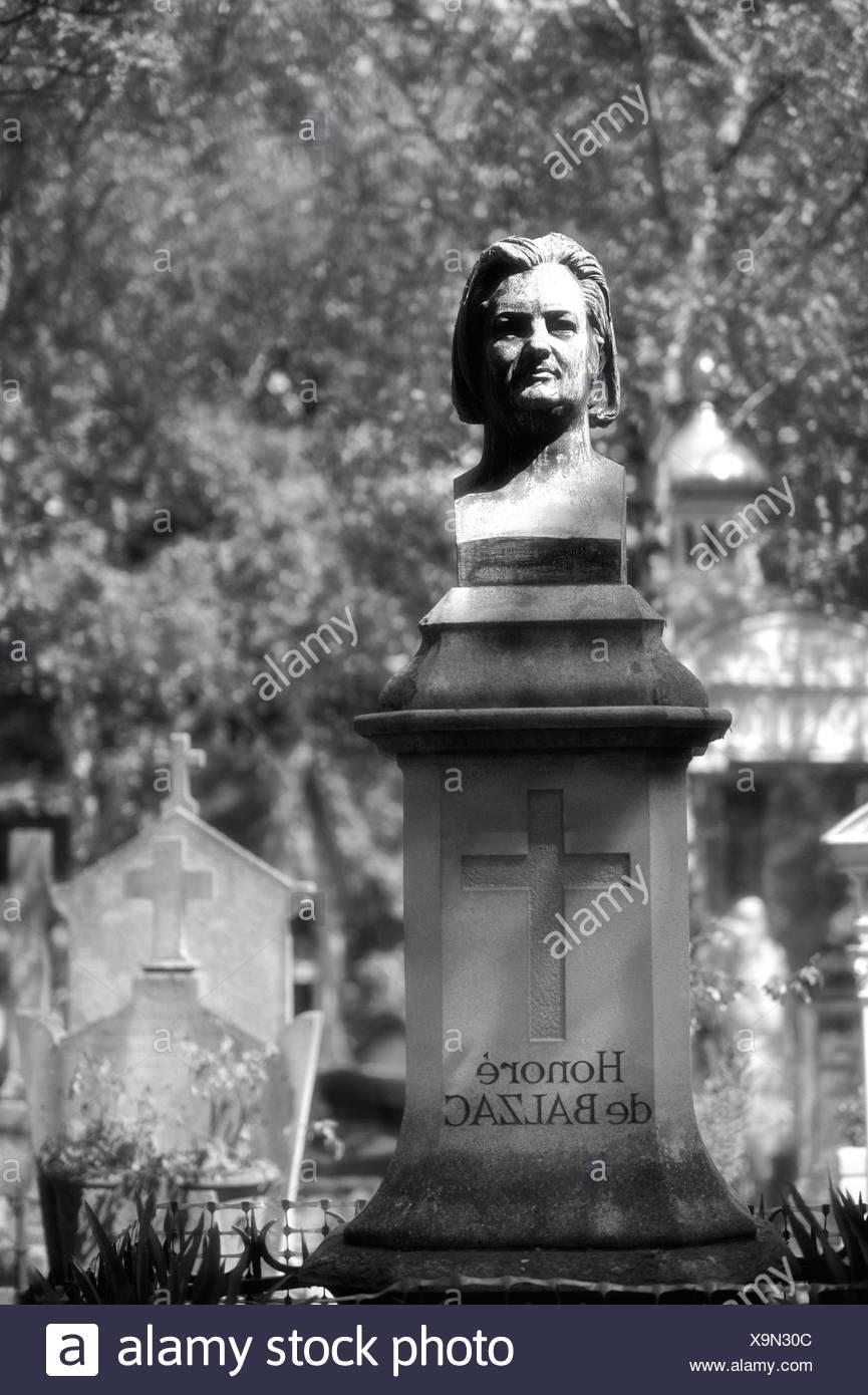 Grave of Honore Balzac, Cimetière du Père Lachaise cemetery, Paris, France, Europe - Stock Image