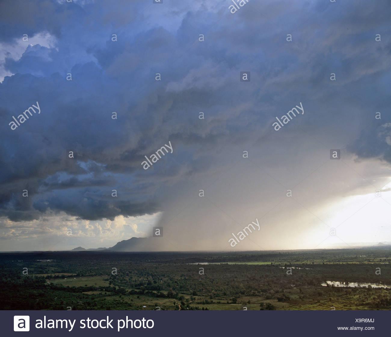View from Sigiriya, storm, raincloud, Sri Lanka - Stock Image
