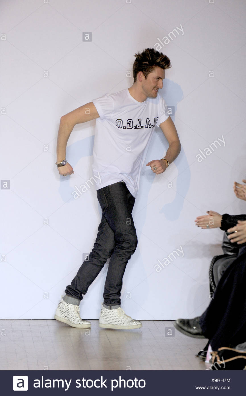 House Of Holland London Ready To Wear Autumn Winter Fashion Designer Henry Holland Wearing A White T Shirt White Trainers And Stock Photo Alamy