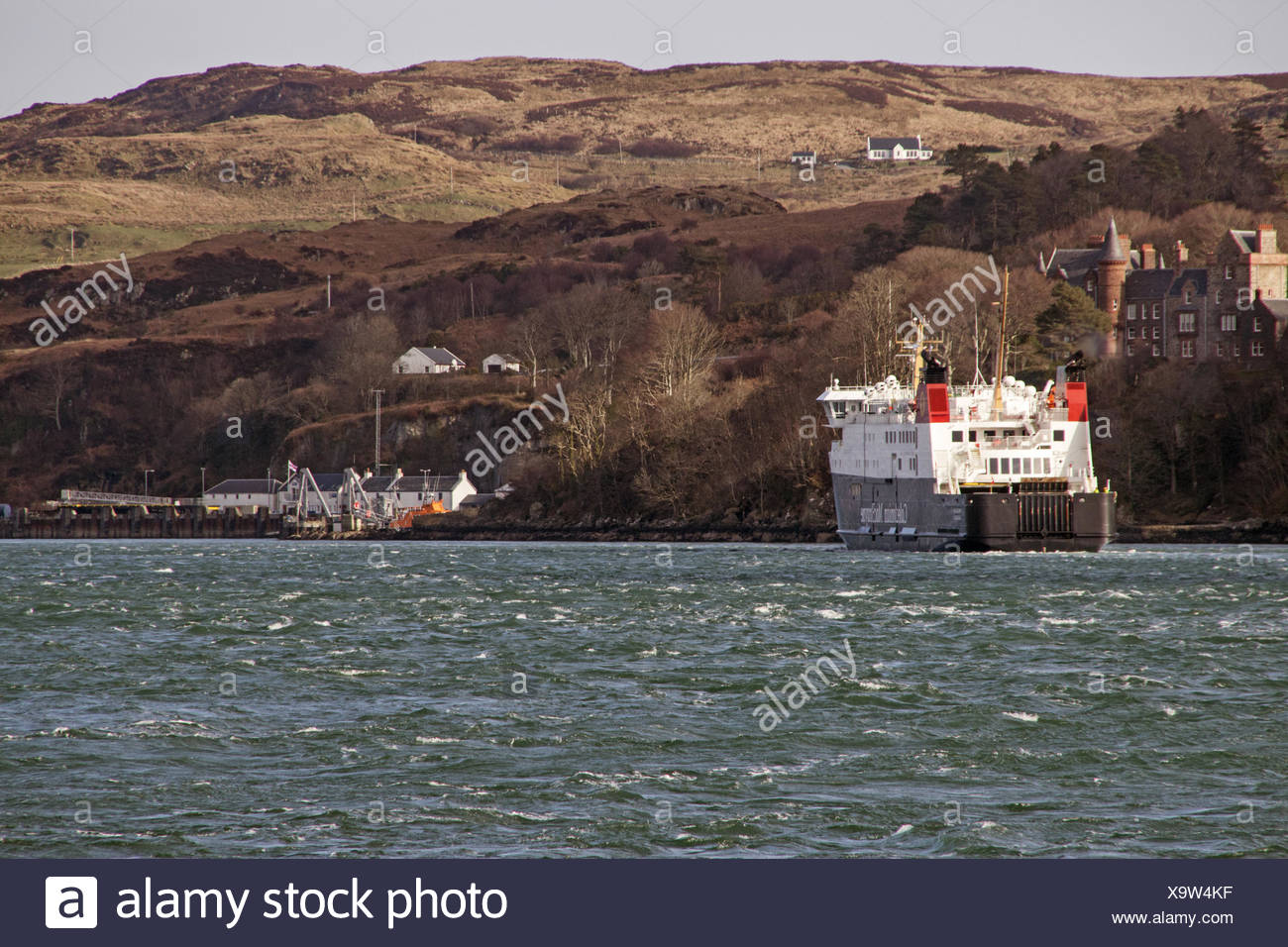 The Caledonian MacBrayne ferry 'Finlaggan' arriving at Port Askaig on Islay. Stock Photo