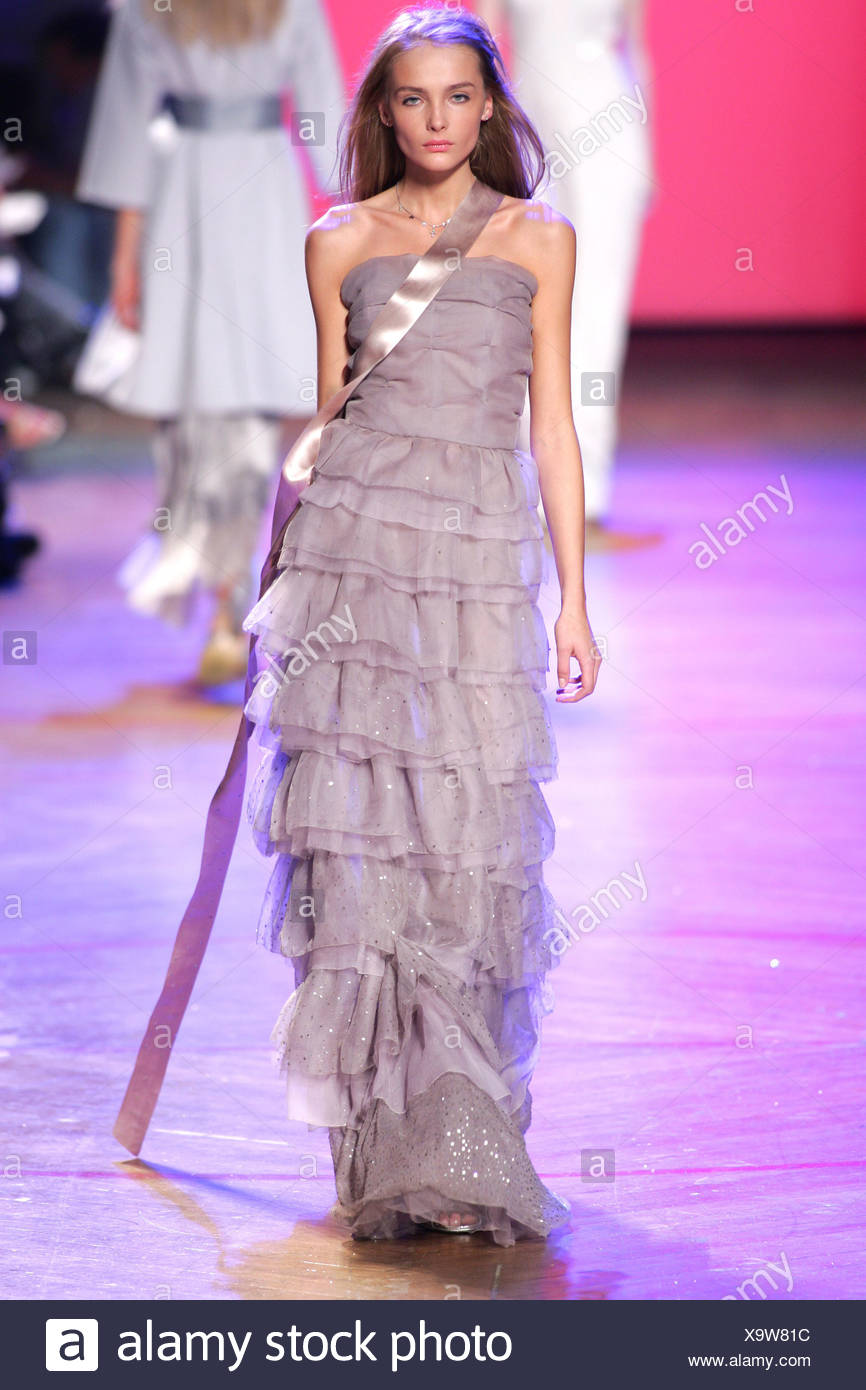 Marc Jacobs New York Ready To Wear Spring Summer Model Snejana Long