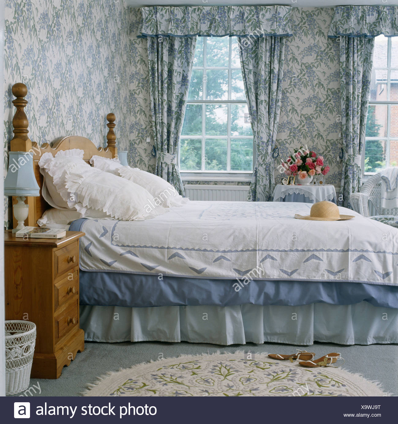 Interiors Bedrooms Traditional Wallpaper Stock Photos