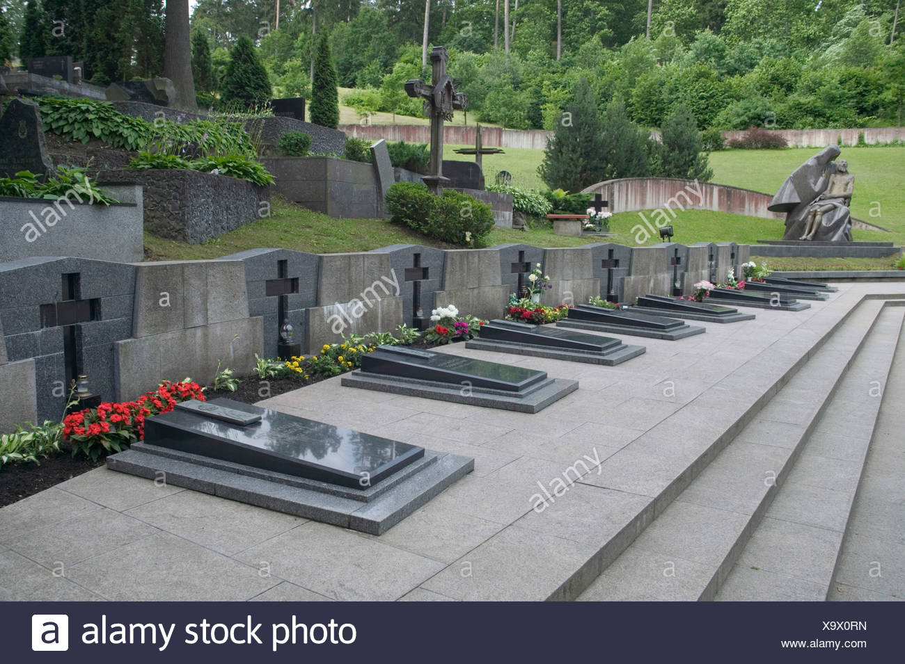 Lithuania, Vilnius, Antakalnis Cemetery, the graves of people killed by Russian tanks in 1991 Stock Photo