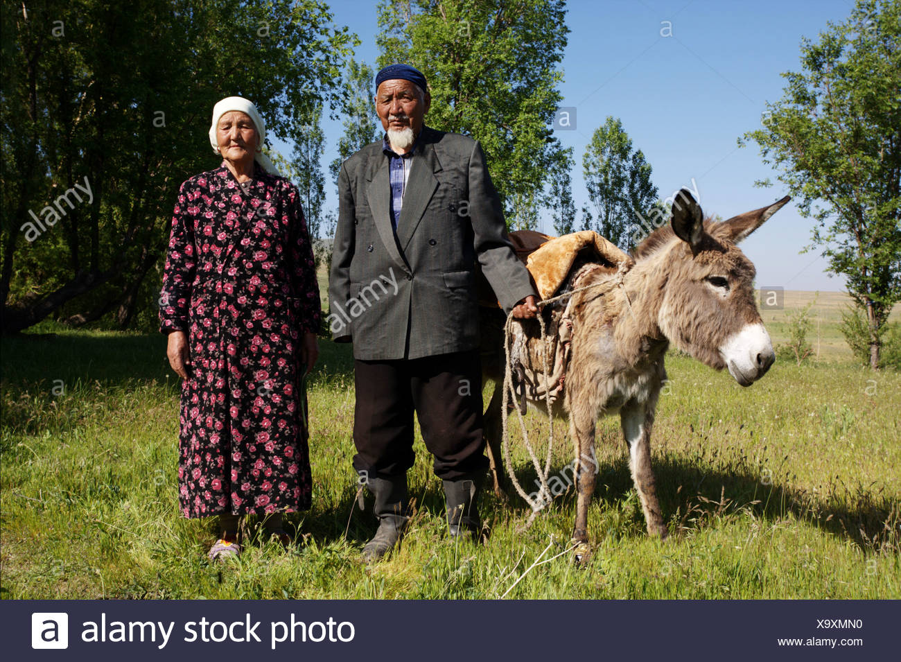 kazakhstanian-couple-with-donkey-come-ba