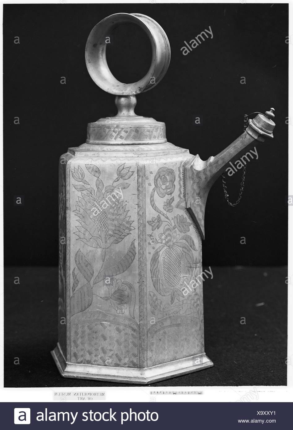 Milk or wine can. Maker: Johannes oder Hans Waeber (1713-1788); Date: 18th century; Culture: Swiss, Zurich; Medium: Pewter; Dimensions: H. 15 1/4 in. - Stock Image