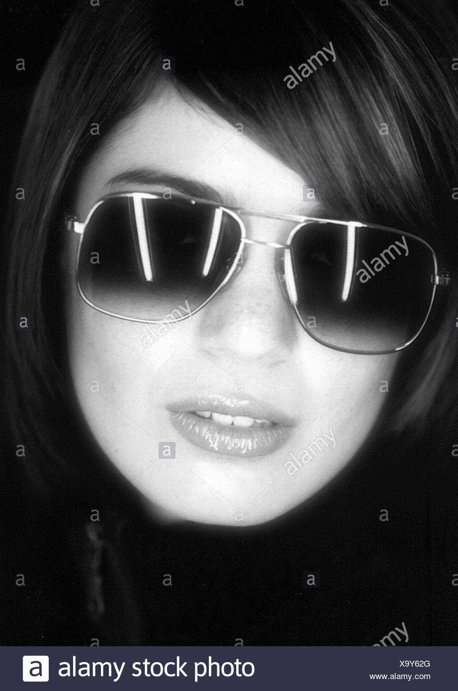 woman with sunglasses - Stock Image