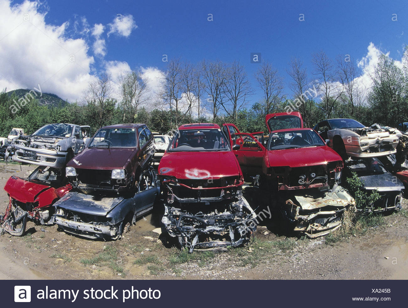 Junk Yard Cars Stock Photos & Junk Yard Cars Stock Images - Alamy