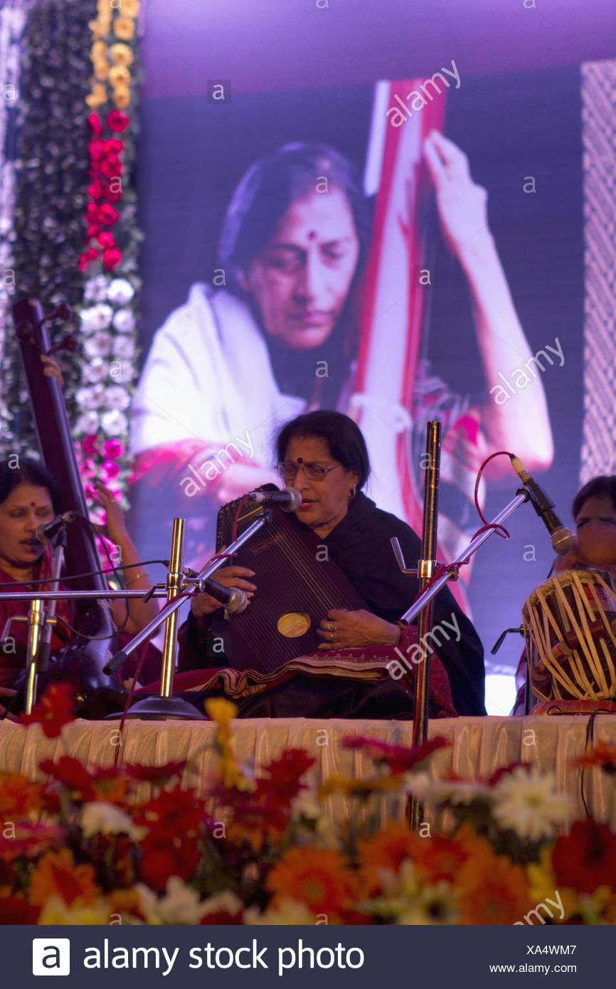 Indian Singer Stock Photos & Indian Singer Stock Images - Alamy