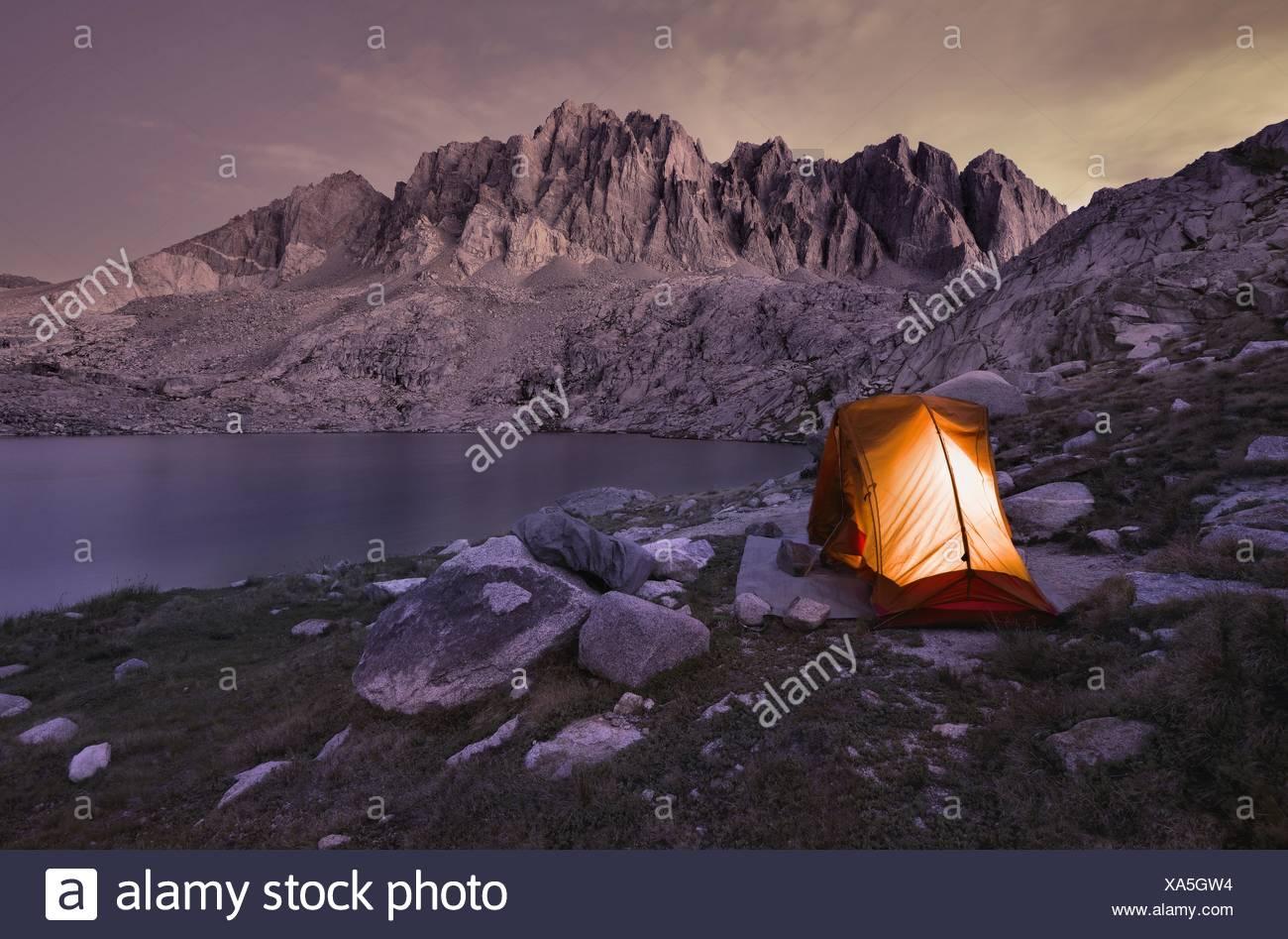 USA, California, Kings Canyon National Park, Camping at Barrett Lake - Stock Image