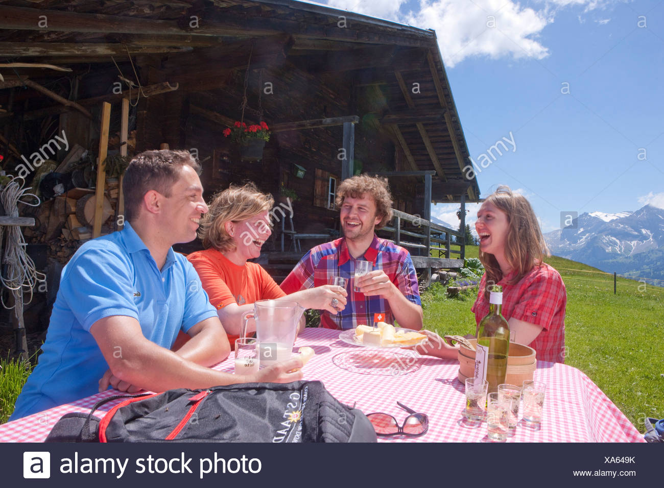 Traveller, alpine hut, canton, Bern, mountain, mountains, couple, Couples, Gstaad, summer sport, footpath, walking, hiking, trek - Stock Image