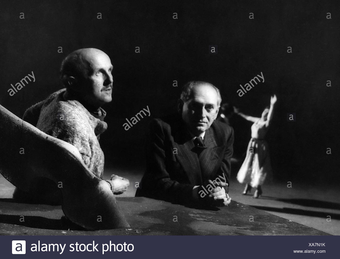 Pressburger, Emeric, 5.12.1902 - 5.2.1988, Hungarian director, with Michael Powell, (1905- 1990), during making of, 1955, 1950s, - Stock Image
