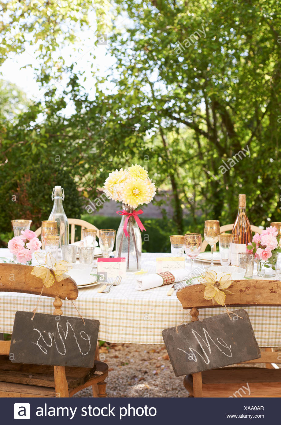 Table Setting For Outdoor Wedding Reception Stock Photo 281732271