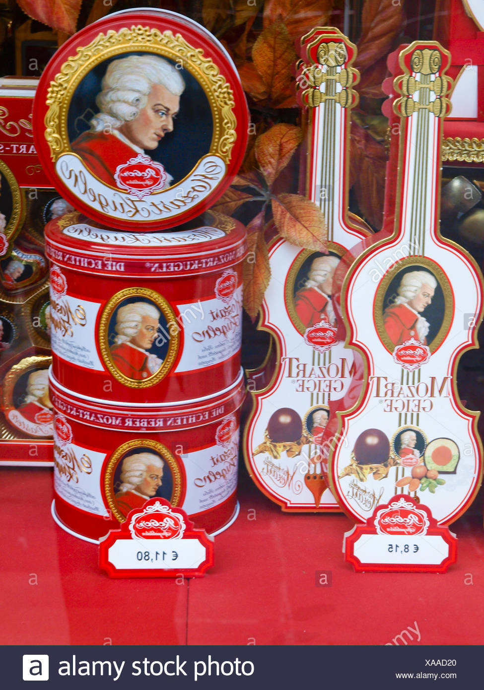 Salzburger Mozartkugel, Österreich, Salzburg, Salzburg Stadt Stock Photo
