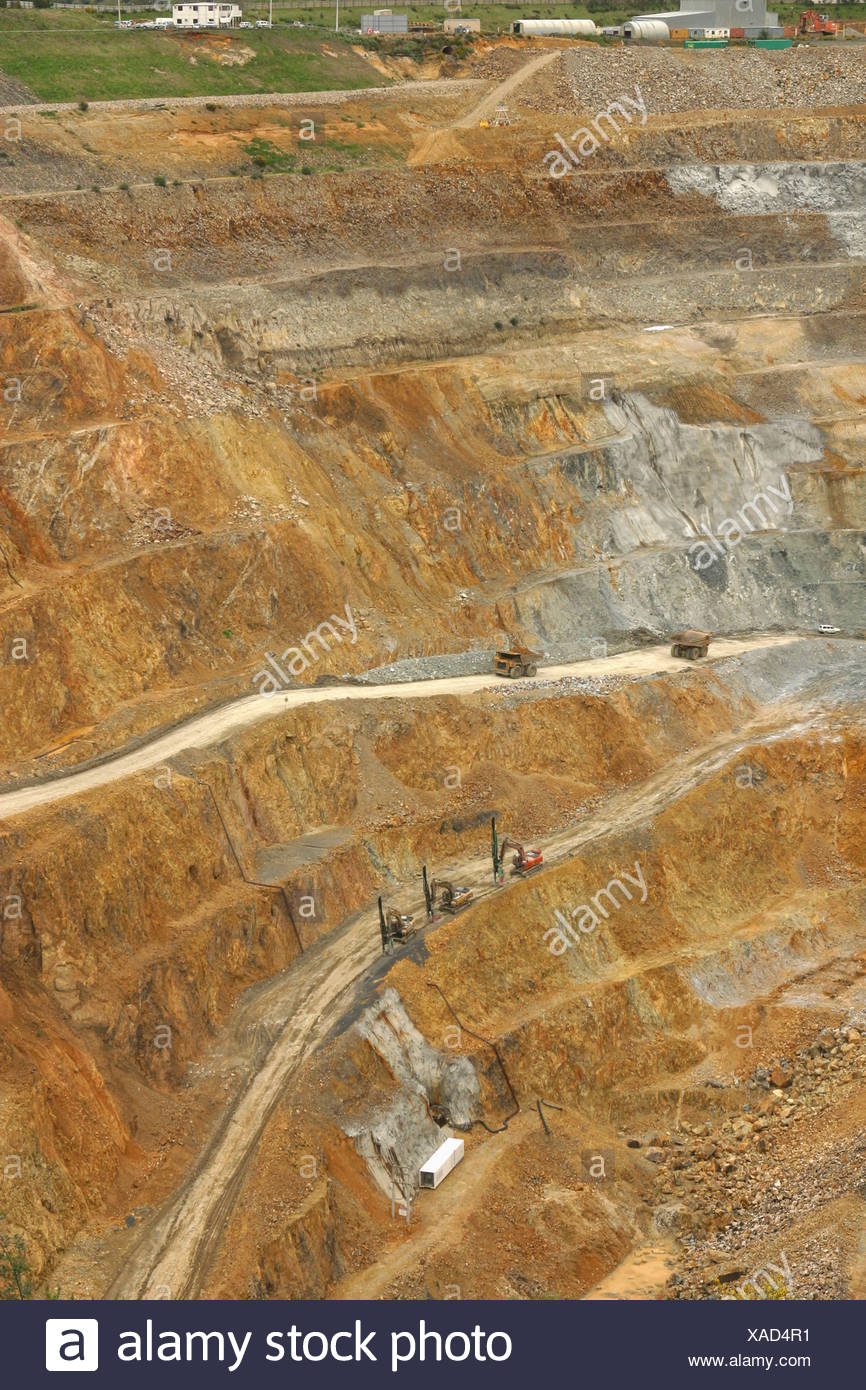 Martha opencast gold and silver mine, Waihi, New Zealand. Measures 860 x 200 metres, and 250 metres deep. Produces about NZ$1 Stock Photo