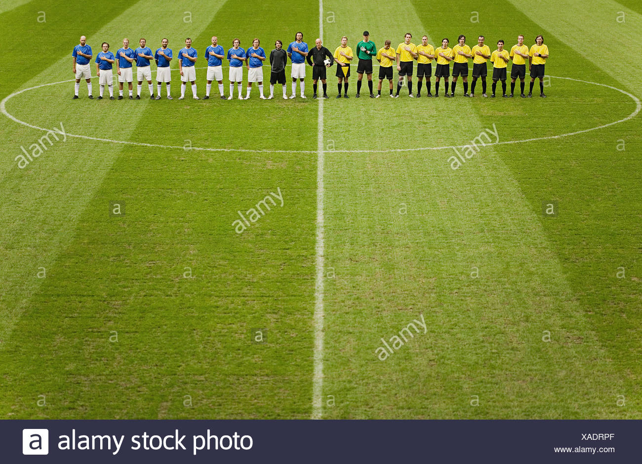 Football teams on the pitch - Stock Image