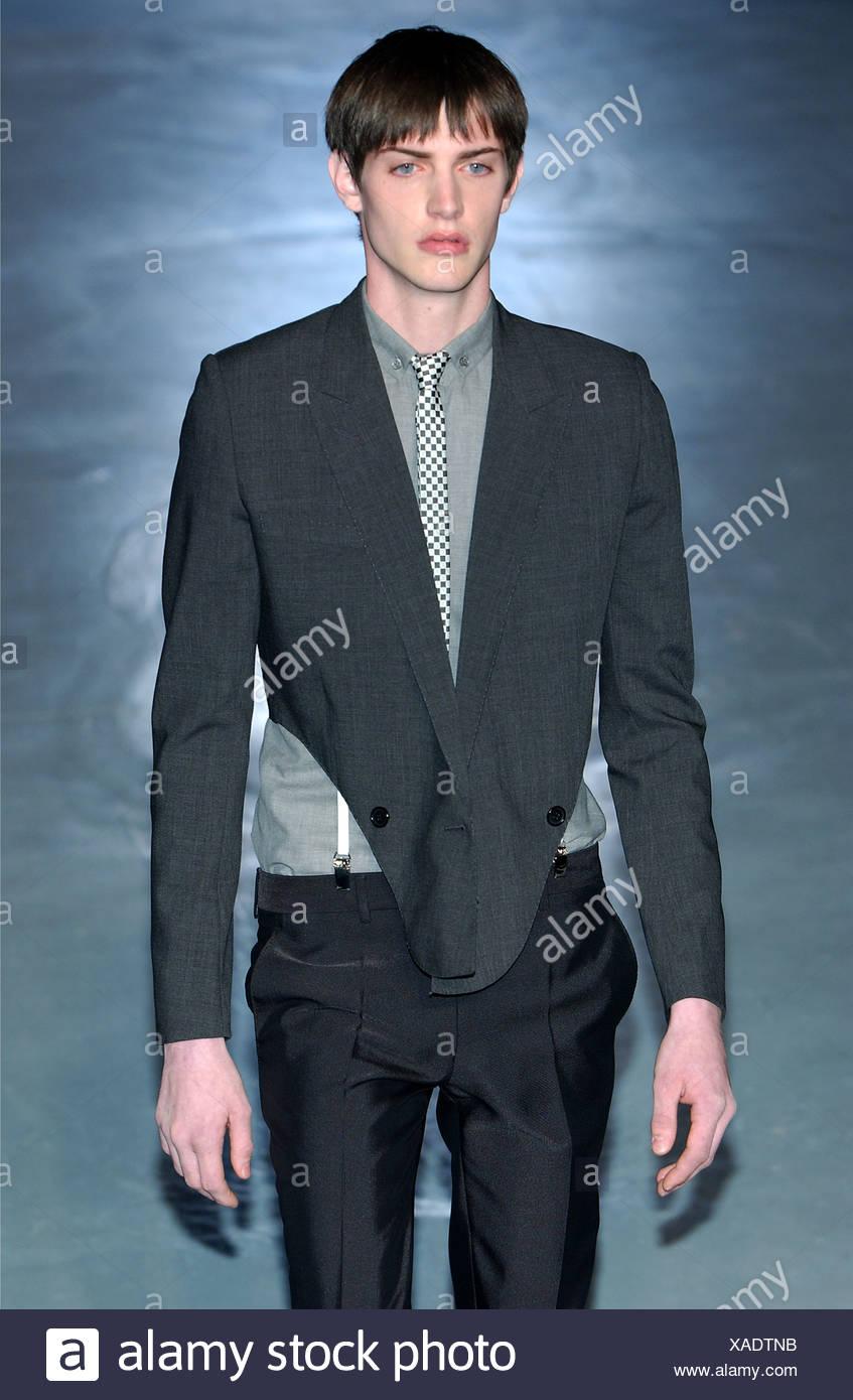 744e73e1f4 Christian Dior Paris Menswear S S Male model wearing dark grey ...