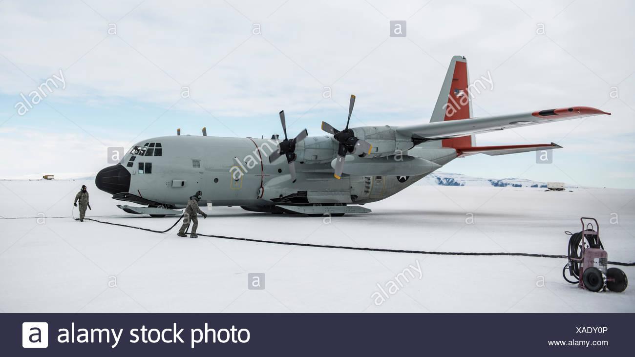 A USAF LC-130 Hercules at McMurdo Station, Antarctica. - Stock Image